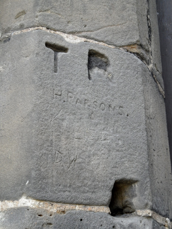 How did H Parsons carve his name so neatly?
