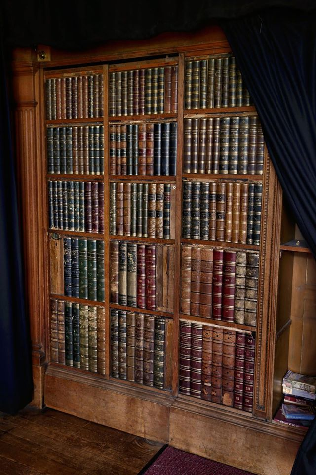 Bookcase Ingestre