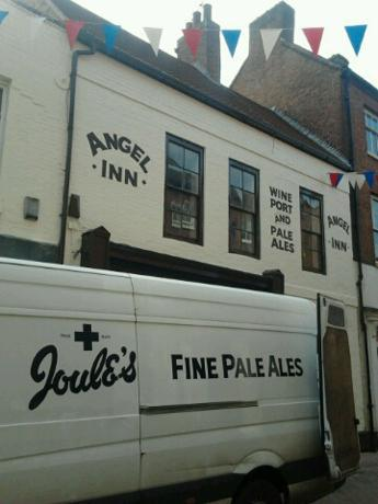 Joules delivery to the Angel Inn, Market St, Lichfield. Unintentionally echoing the Marstons/ Earl of Lichfield photo above!