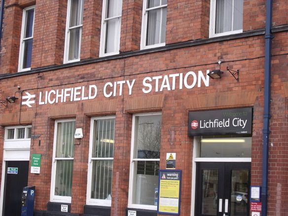 """Lichfield City Station (6668724487)"" by Elliott Brown from Birmingham, United Kingdom - Lichfield City StationUploaded by Oxyman. Licensed under CC BY 2.0 via Wikimedia Commons - https://commons.wikimedia.org/wiki/File:Lichfield_City_Station_(6668724487).jpg#/media/File:Lichfield_City_Station_(6668724487).jpg"