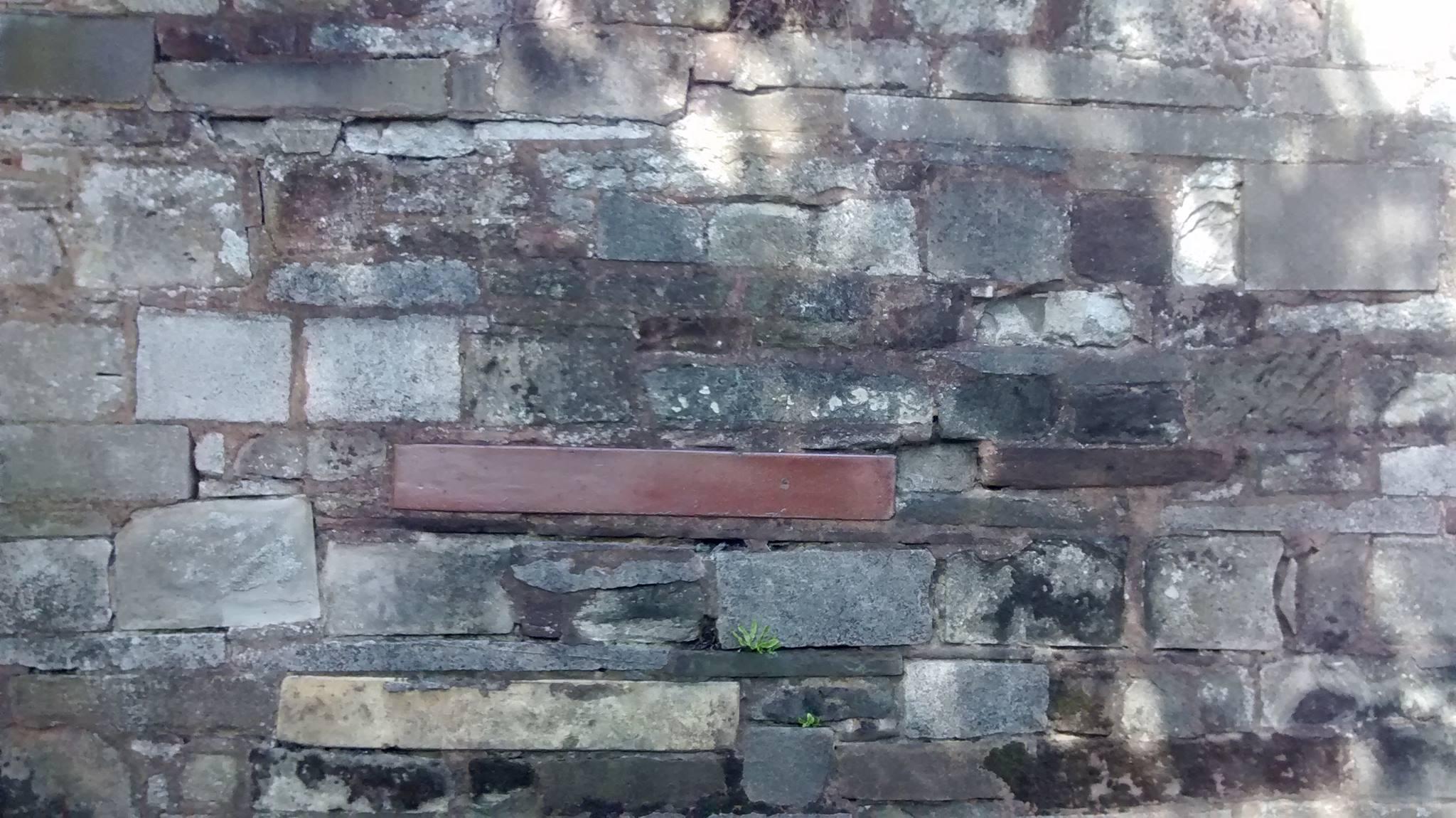 Wall mounted Belfast sink